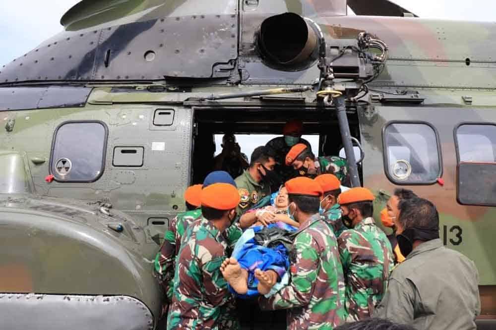 Kegiatan Penyaluran Bansos dan Evakuasi para Korban Gempa Mamuju