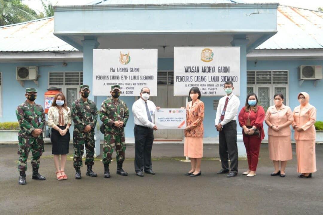 Sekolah Angkasa Lanud Soewondo Mendapat Bantuan CSR dari BNI