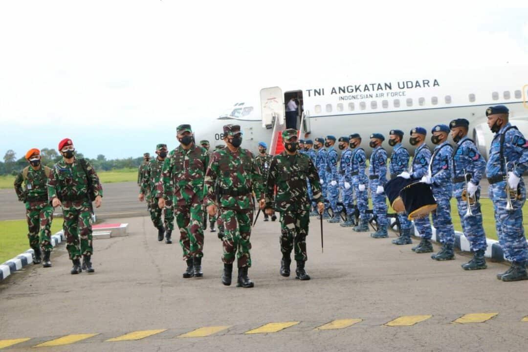 Kunjungan Kerja Panglima TNI ke Lanud Iswahjudi dan Yonif Para Raider 501/BY Madiun
