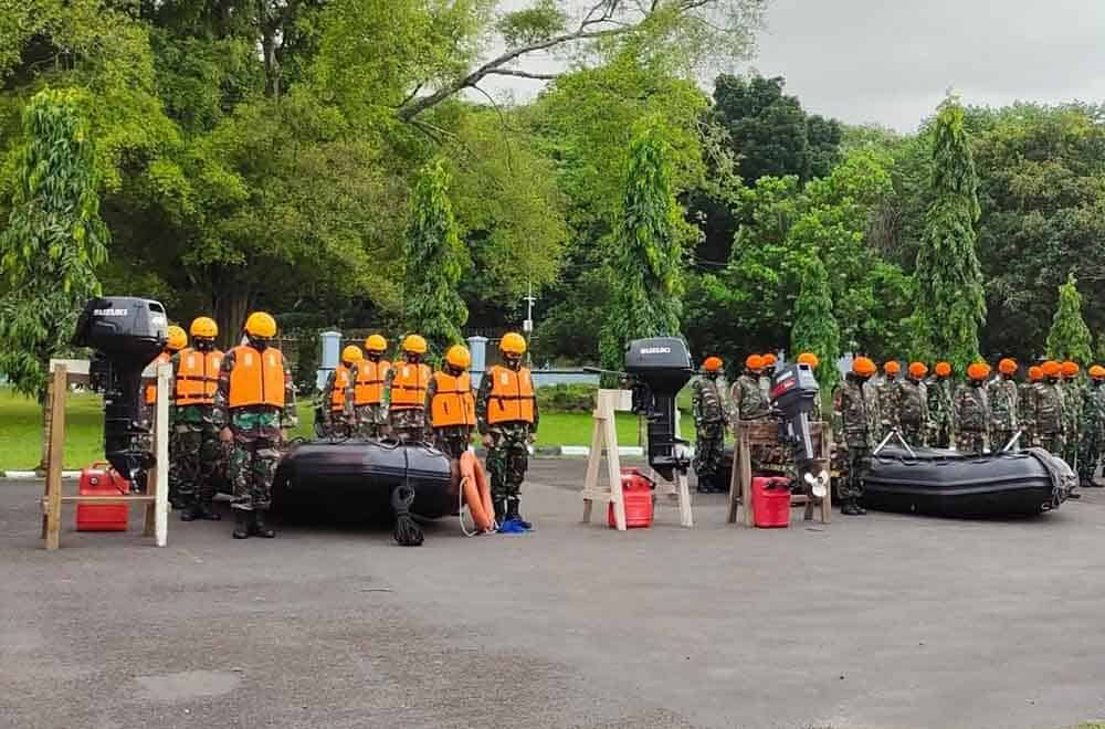 Yonko 461 Paskhas Apel Gelar Penebalan SAR Banjir Subang Jawa Barat