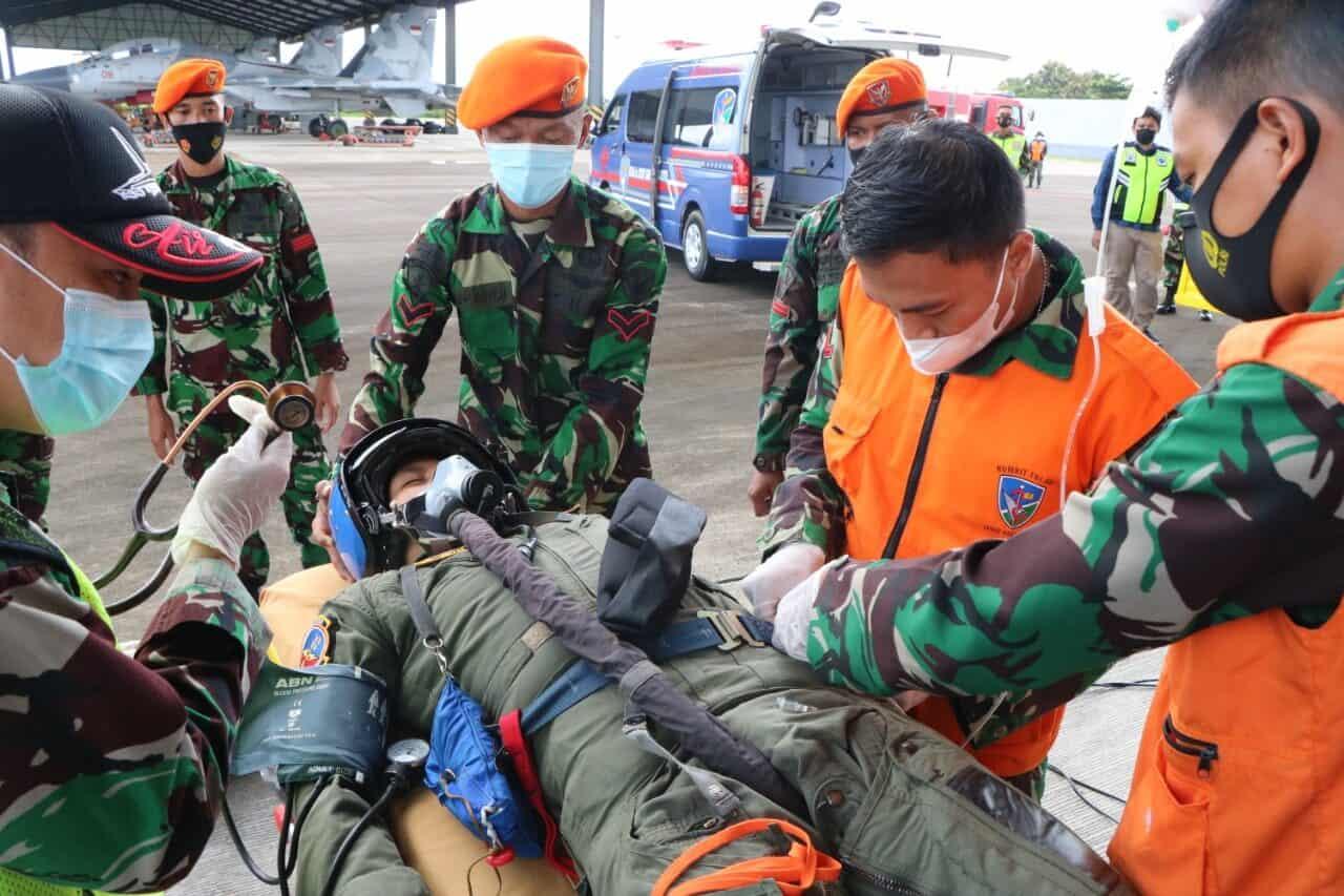 Emergency Evacuate On The Ground Lambangja Skadron Udara 11 di Lanud Sultan Hasanuddin