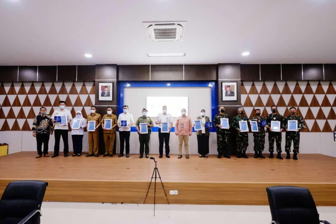Piagam Penghargaan Lanud Sultan Hasanuddin Satker Terbaik