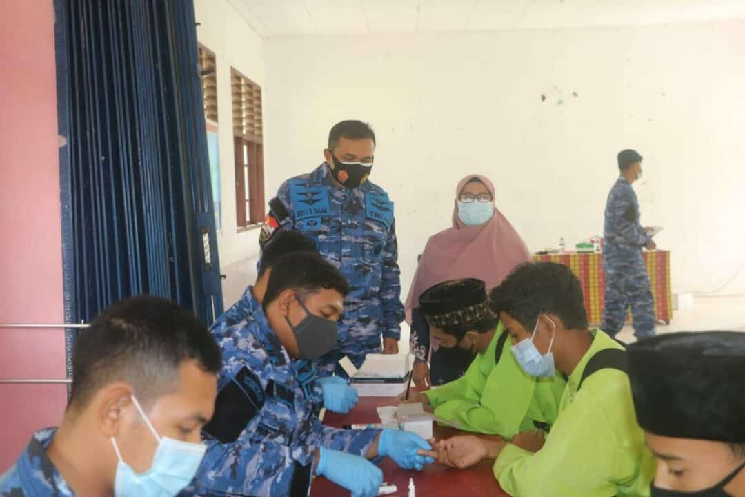 Empat Hari Serbuan Teritorial Rapid Test Massal dari Lanud RSA di SMA dan SMP Ranai-Natuna, Selesai