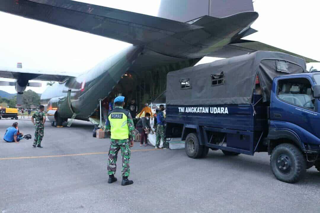 C-130 Hercules TNI AU, Kembali Distribusikan Bansos Ke Sulbar