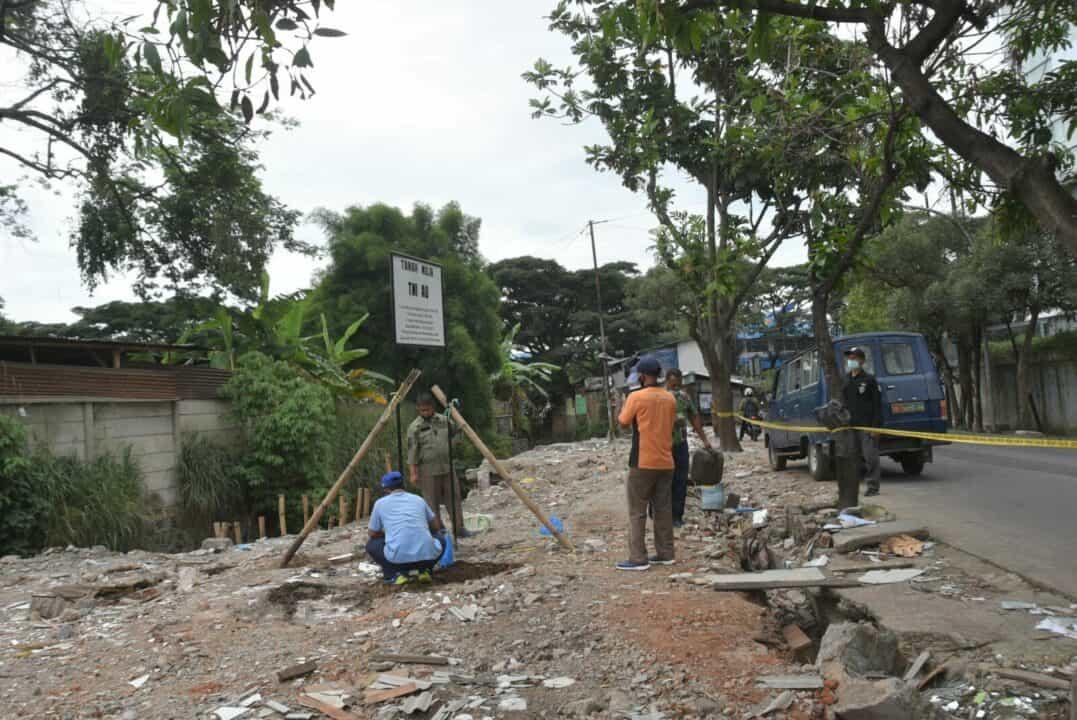 Tim Aset Lanud Husein Sastranegara Cek Patok Batas Tanah Negara