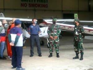 Bapak Suyanto Pembuat Pesawat Dari Desa Lakbok Dikunjungi Kapuspotdirga Serta Danlanud Wiriadinata