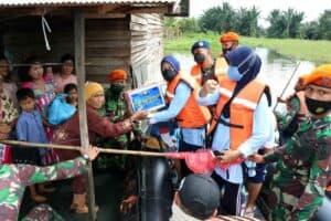 Terus Bergerak, Kali Ini Lanud Sjamsudin Noor Kembali Salurkan Bantuan Kemanusiaan dari Ademau'86 Untuk Korban Terdampak Banjir di Wilayah Kalimantan Selatan