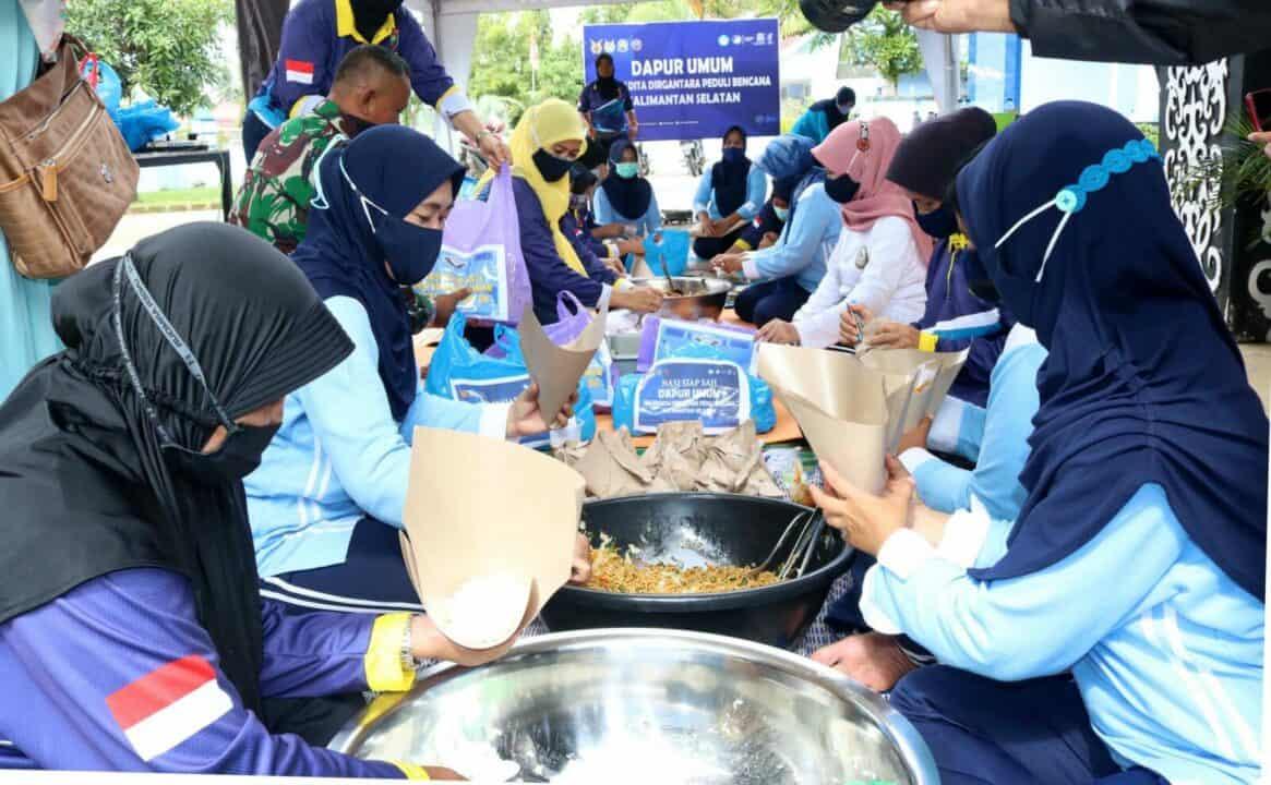 SMA Pradita Dirgantara Peduli Indonesia Dengan Membuka Dapur Umum Untuk Korban Banjir di Kalimantan Selatan