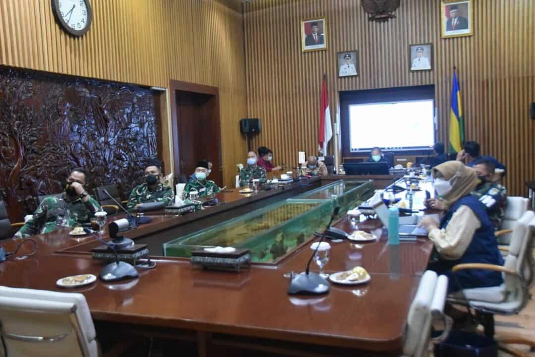 Danlanud Husein Sastranegara Mengikuti Rakor Nasional Penegakan Disiplin Prokes dan Penanganan Covid-19
