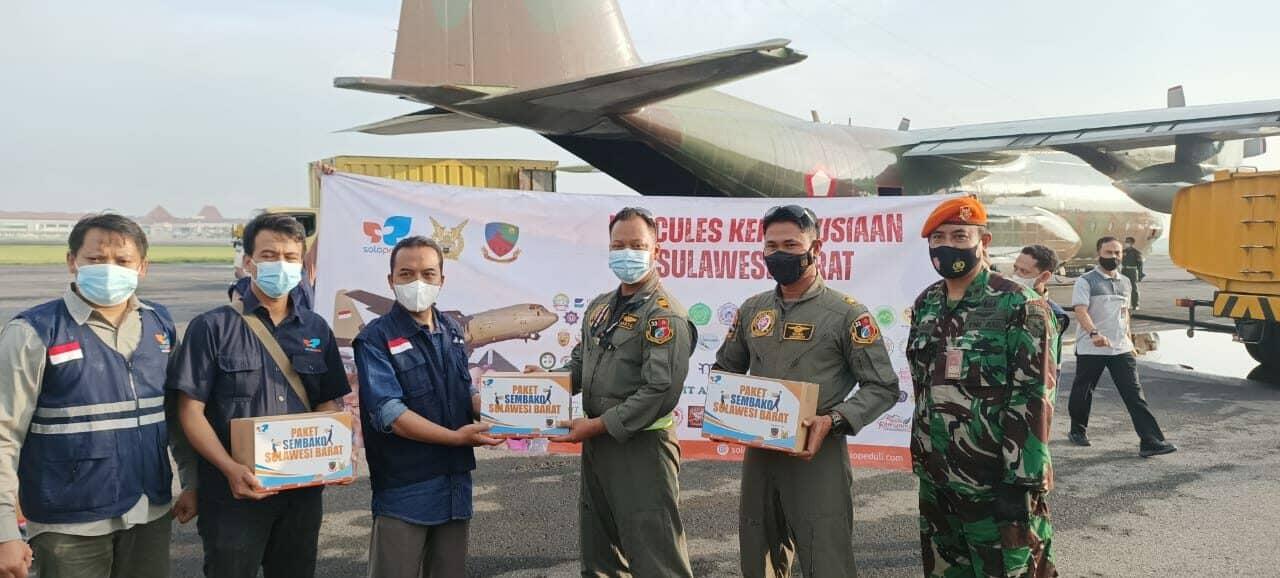 Pesawat Hercules TNI AU Kirim Bantuan ke Mamuju
