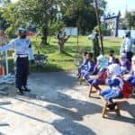 Satpomau Lanud Sutan Sjahrir Perkenalkan Rambu rambu Lalu Lintas Kepada