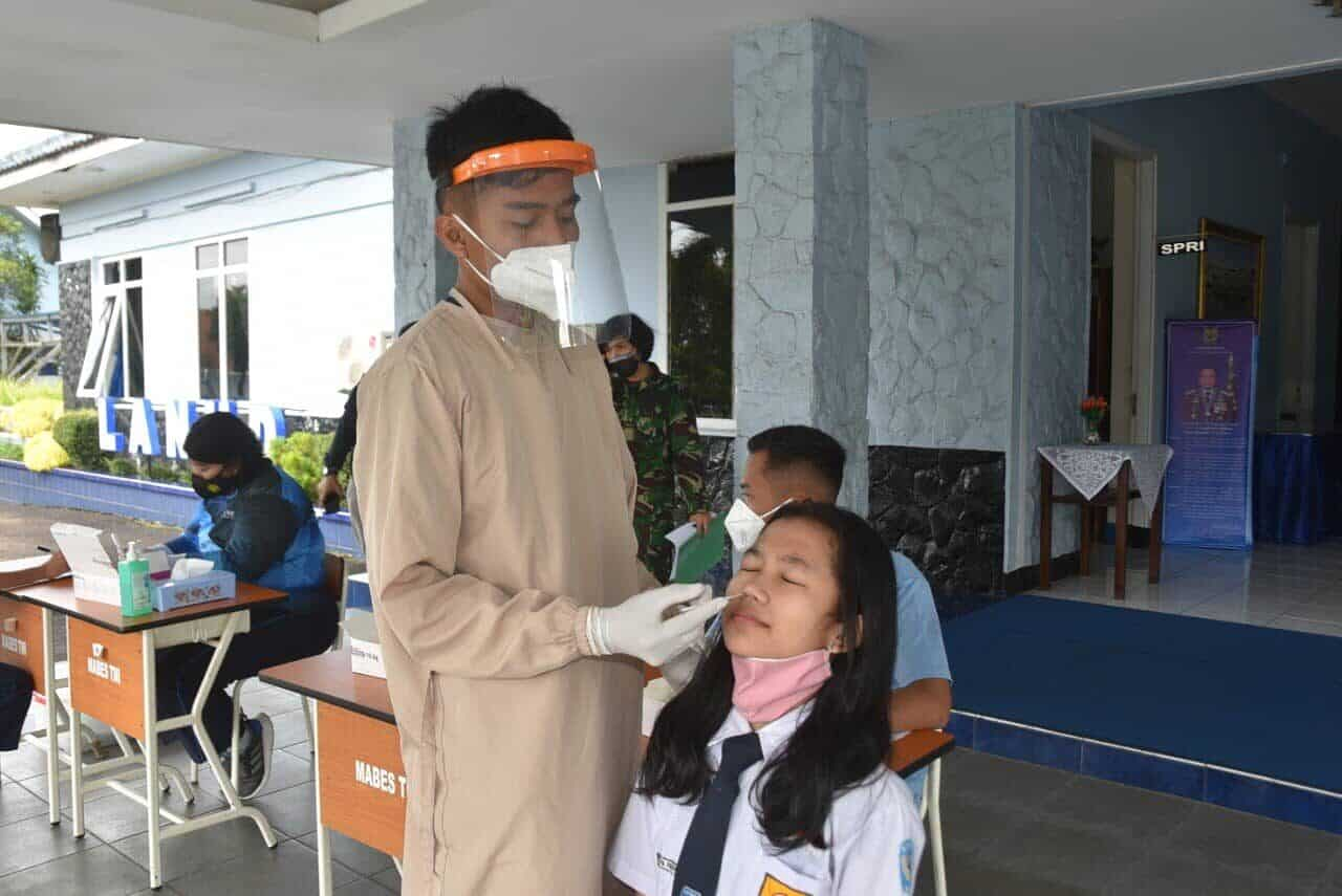 Casis SMA Pradita Dirgantara Laksanakan Rapid Antigen Sebelum Seleksi