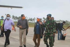 Danlanud RSA Sambut Gubernur Jambi di Bandara RSA