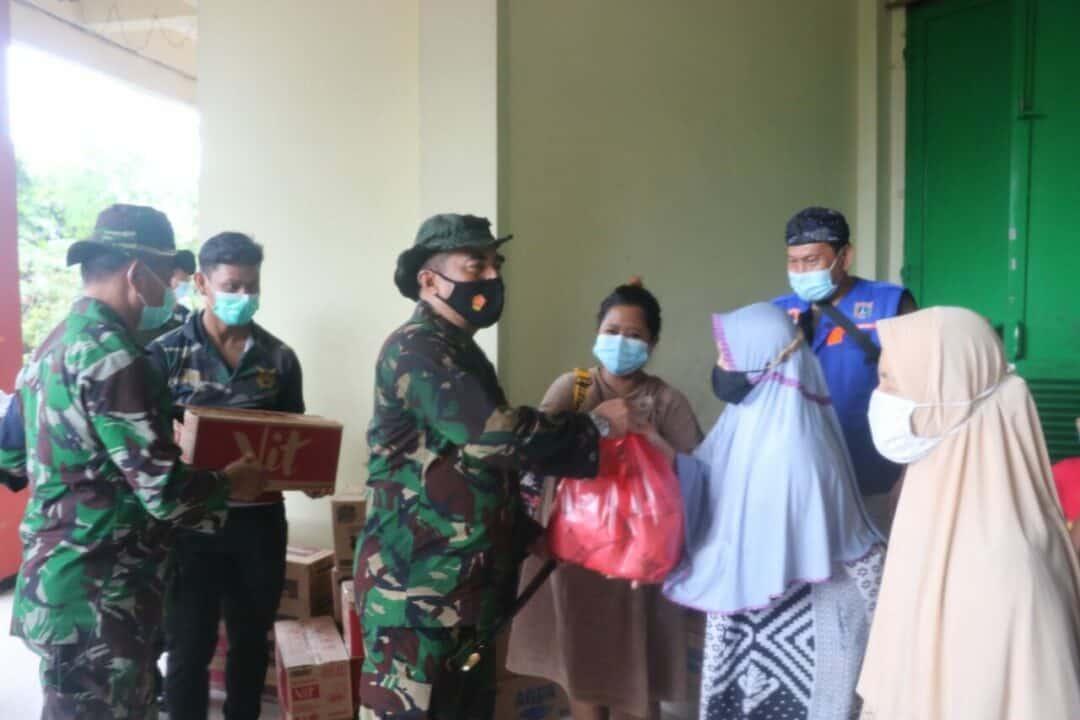 Pangkoopsau I berikan Bantuan Spontan Untuk Warga Kecamatan Makasar