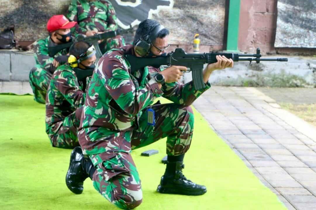 Tingkatkan Profesionalisme Prajurit, Lanud I Gusti Ngurah Rai Gelar Latihan Menembak