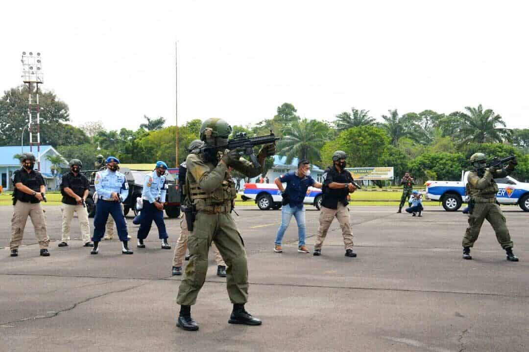 Latihan Force Down di Lanud Soewondo