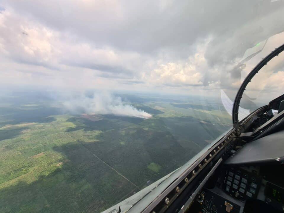 """Latihan Profisiensi, F-16 """"Rydder"""" Pantau Karhutla Di Riau"""