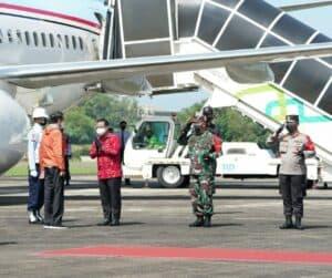 Komandan Lanud Sultan Hasanuddin Sambut Kunjungan Kerja Presiden RI