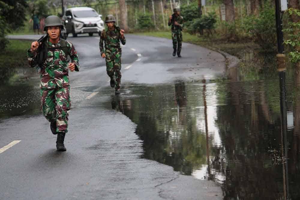 Tingkatkan Mental dan Kemampuan Fisik, Batalyon Komando 461 Paskhas Melaksanakan Lintas Medan