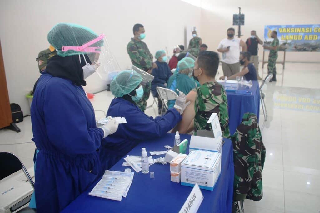Personel Militer Lanud Abd Saleh dan Insub Ikuti Vaksinasi Covid 19