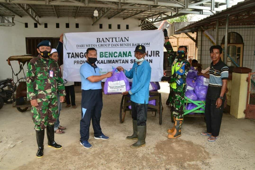 Lanud Sjamsudin Noor Kembali Salurkan Bantuan Kemanusiaan dari Media Group dan Benih Baik.Com Untuk Korban Terdampak Banjir di Wilayah Kalimantan Selatan