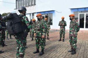 Dankorpaskhas Pimpin Apel Gelar Kesiapan Pasukan Reaksi Cepat di Wing I Paskhas