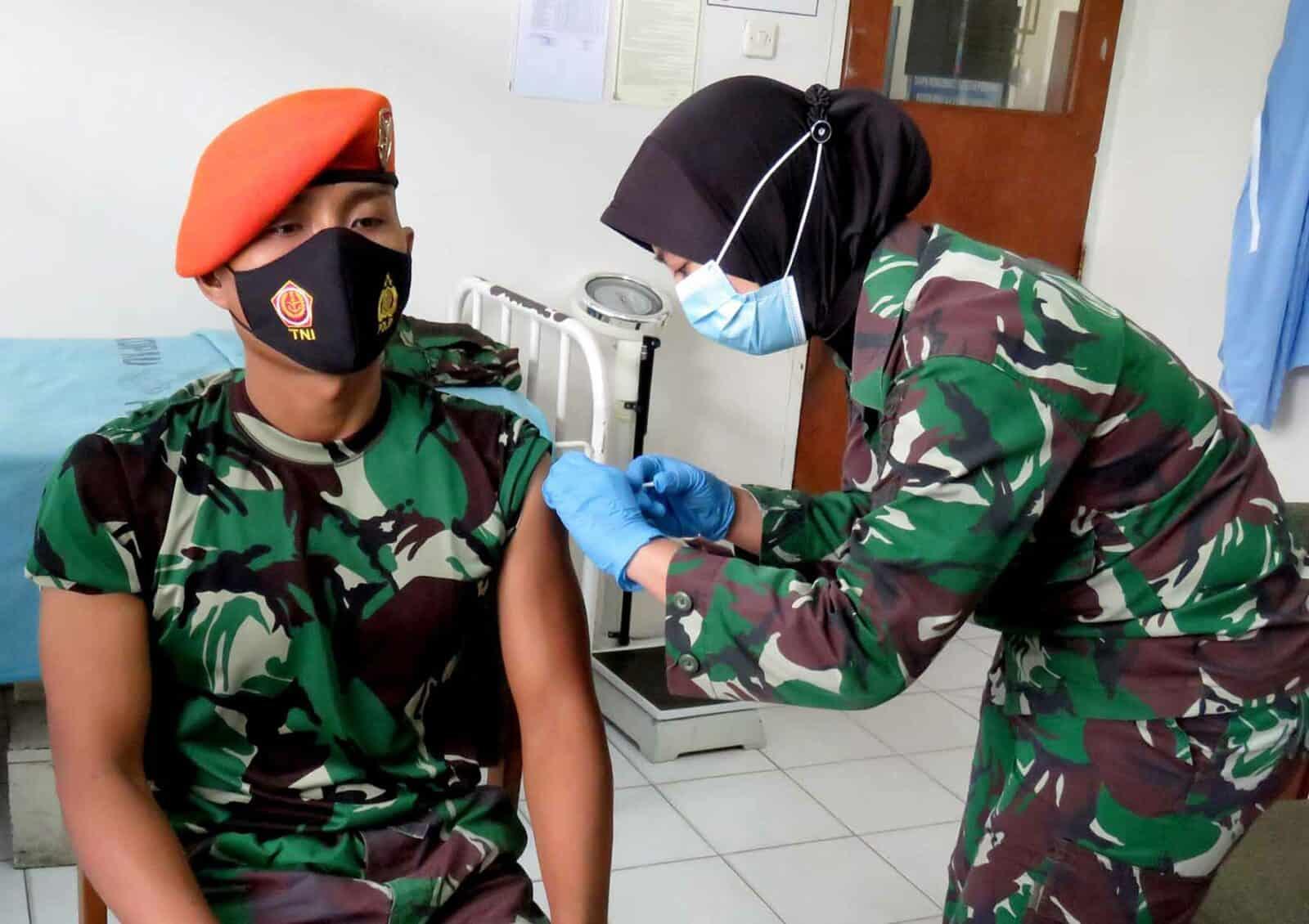 Yonko 462 Paskhas Melaksanakan Vaksinasi Covid-19 Gelombang II