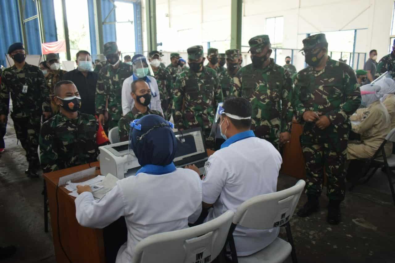 Serbuan Vaksinasi TNI di Lanud Adi Soemarmo