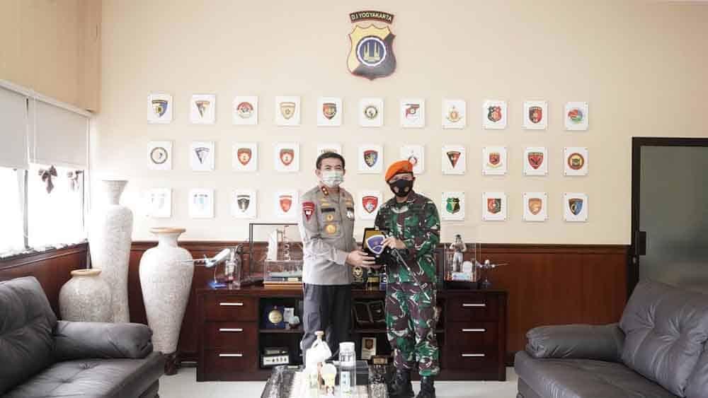 Komandan Denhanud 474 Paskhas Melaksanakan Silaturahmi ke Kapolda DIY