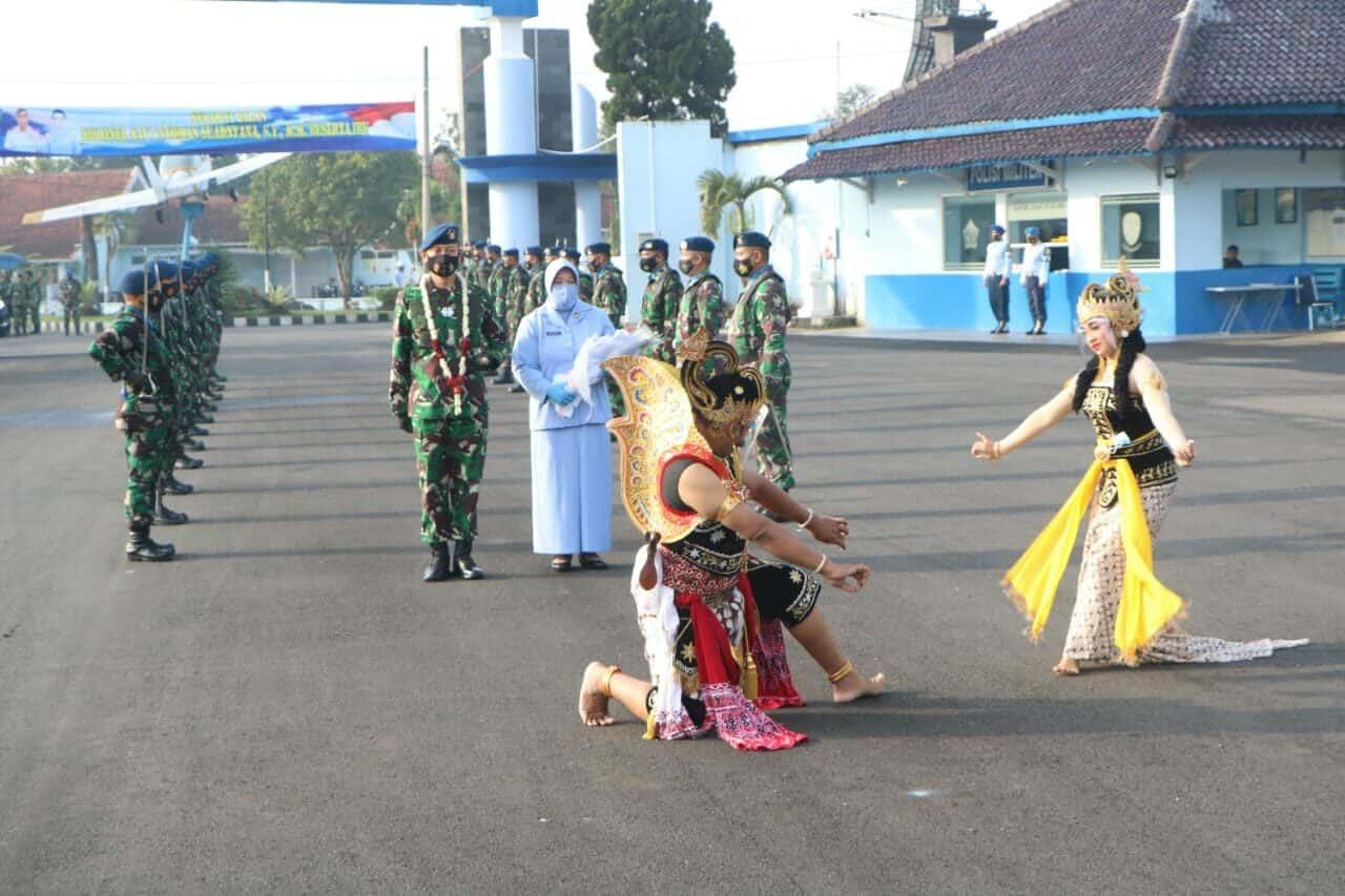 Tradisi Passing In dan Passing Out Komandan Lanud Adi Soemarmo