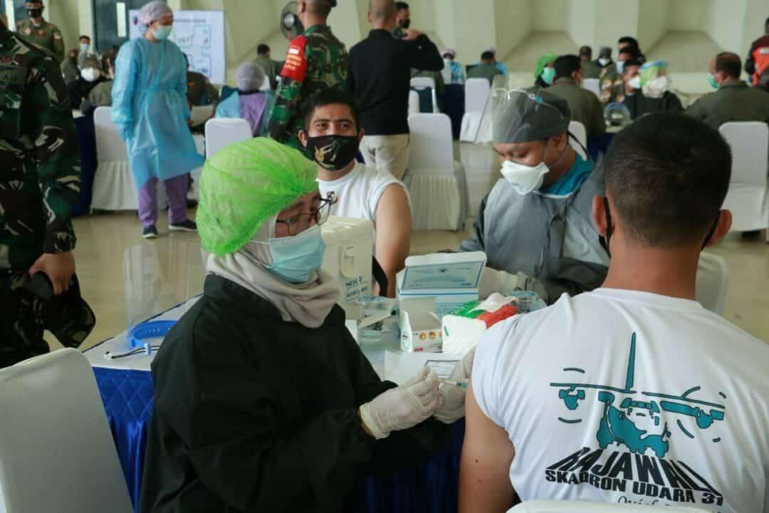 Koopsau I Laksanakan Gerakan Serbuan Vaksinasi Covid-19 Di Lanud Halim Perdana Kusuma