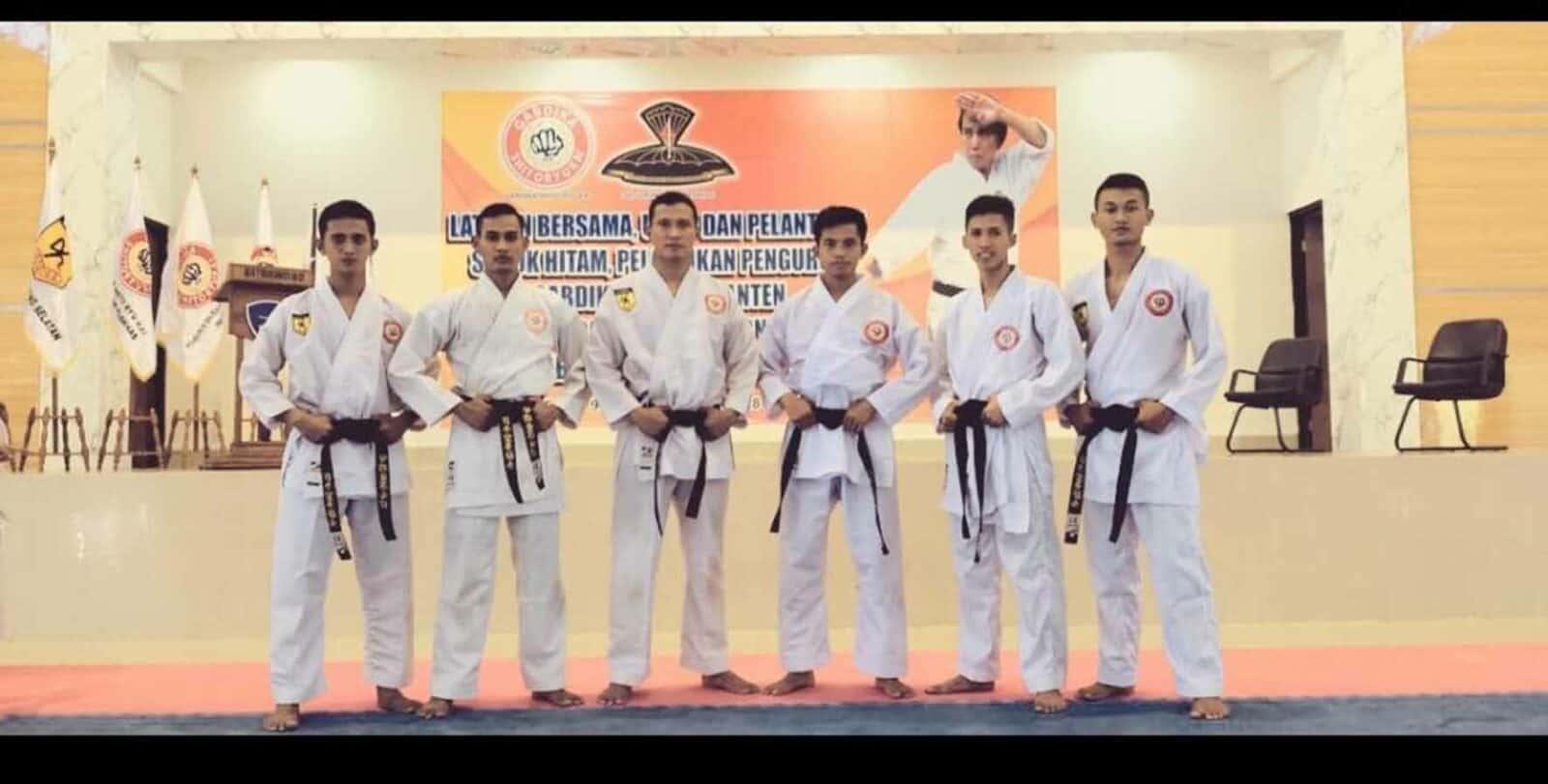 Satbravo 90 Paskhas Dan Gabdika Shitoryu Kai Mengadakan Ujian Kenaikan Sabuk Hitam Karate
