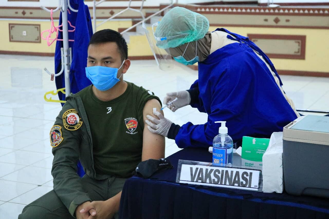 Personel Lanud Iswahjudi dan Insub Jalani Vaksin Covid-19 Tahap Pertama