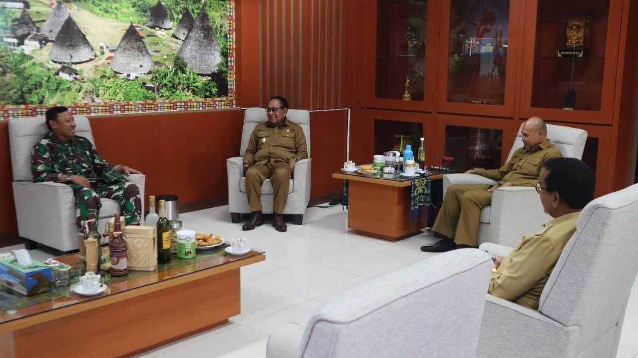 DANLANUD MARSMA TNI ASRIL: DANLANUD EL TARI SILATURAHMI KE GUBENUR NTT,