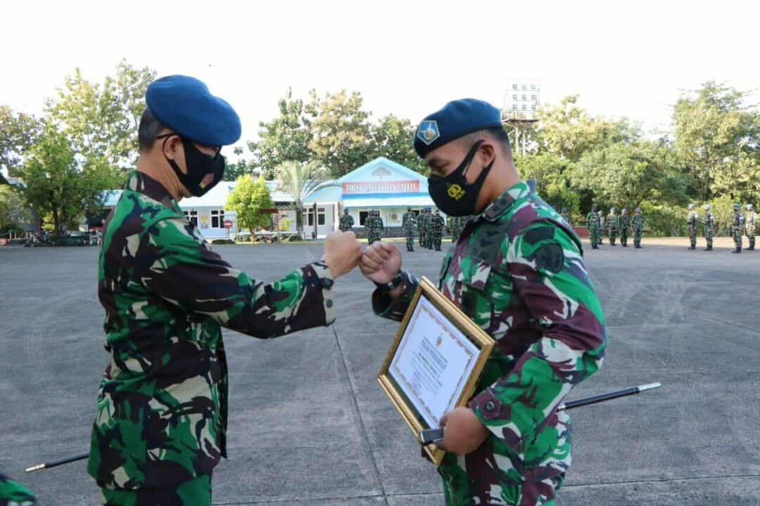 Pemberian Galaxy Award 2020 Kepada Skadron Udara 5 Sebagai Unsur Intai Terbaik TNI AU
