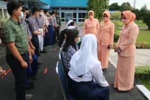 18 Casis SMA Pradita Dirgantara dilepas Ketua Yasarini Pengurus Cab.Lanud Rsn