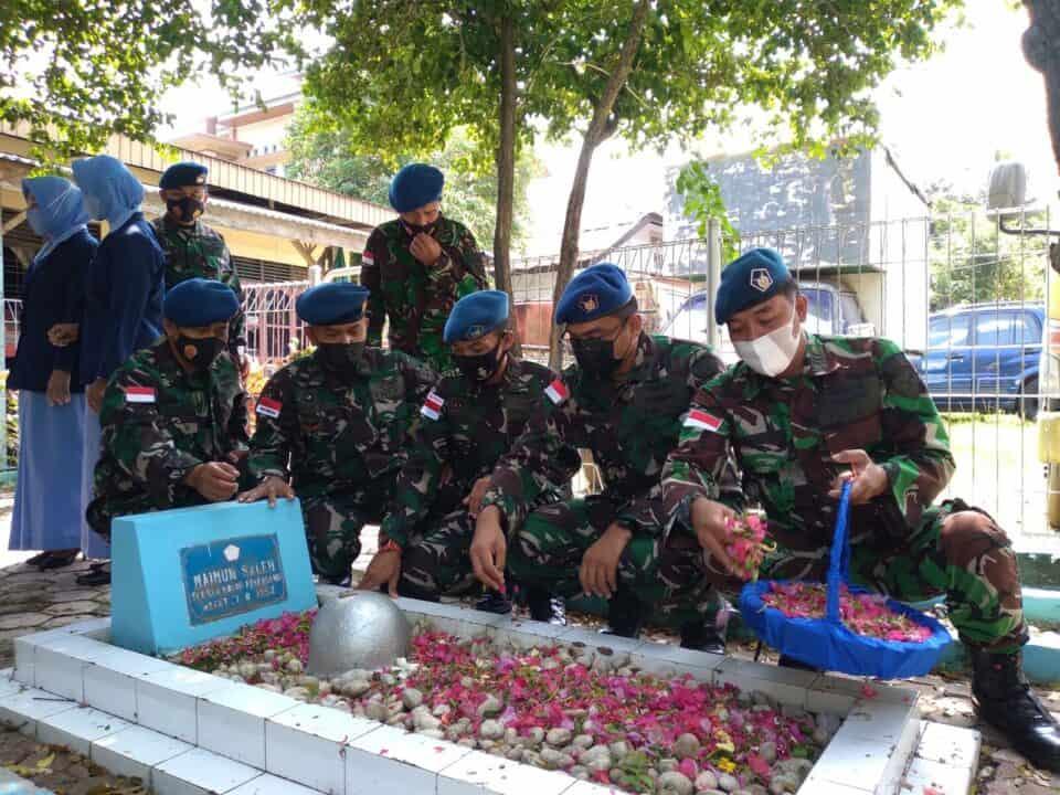 Sambut HUT ke-75 TNI Angkatan Udara, Danlanud Mus Laksanakan Ziarah ke Makam Sersan Udara Maimun Saleh