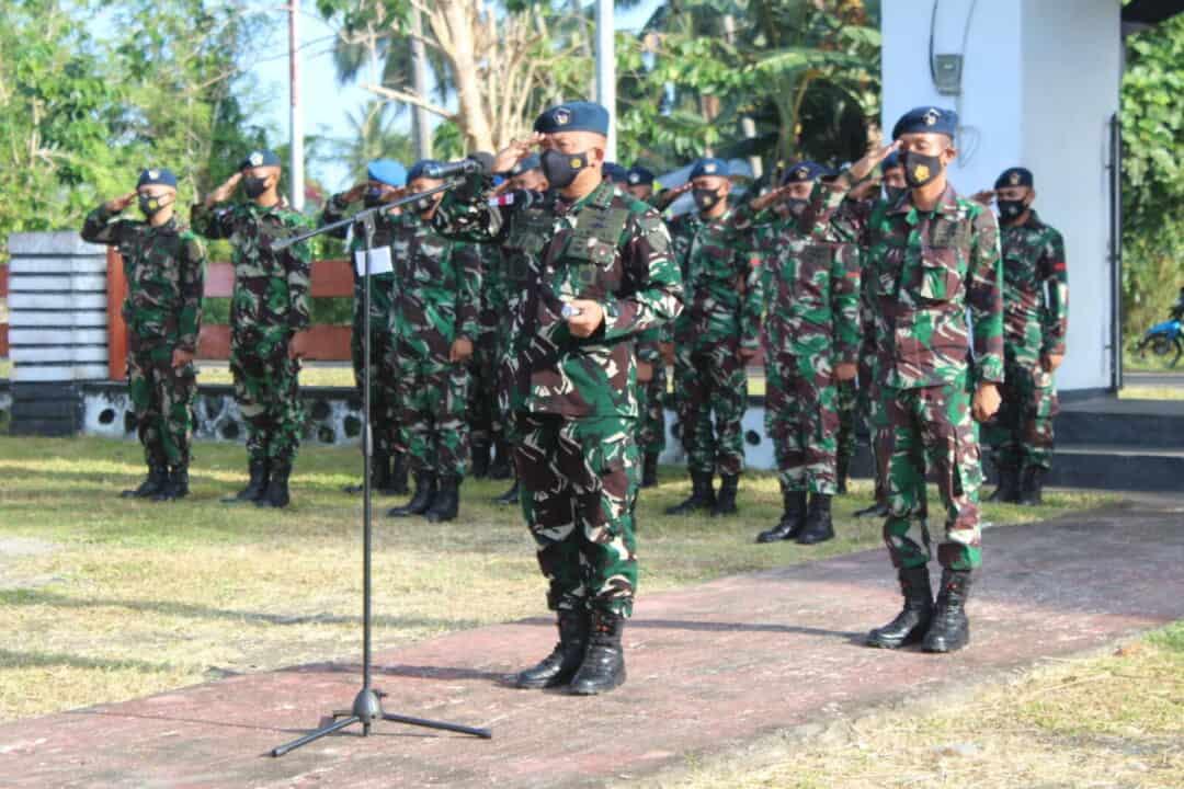 Peringati HUT TNI AU Ke 75, Danlanud Leo Wattimena Pimpinan Upacara Ziarah Ke Taman Makam Pahlawan