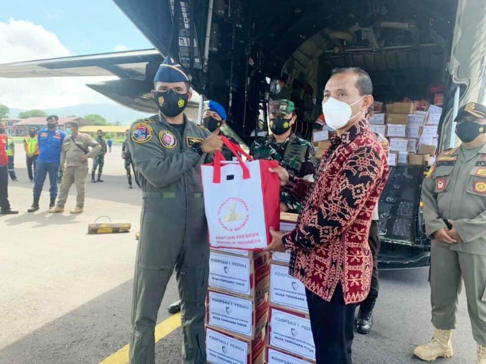 Pesawat Hercules Skadron Udara 32 Lanud Abd SalehAngkut Bansos ke NTT