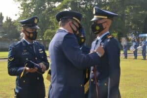 MANDAN PUSDIKLAT HANUDNAS HADIRI UPACARA HUT KE – 75 TNI AU DI LANUD MULJONO SURABAYA