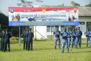 Upacara Peringatan Ke-75 Hari TNI Angkatan Udara di Lanud Wiriadinata Berlangsung Khidmat