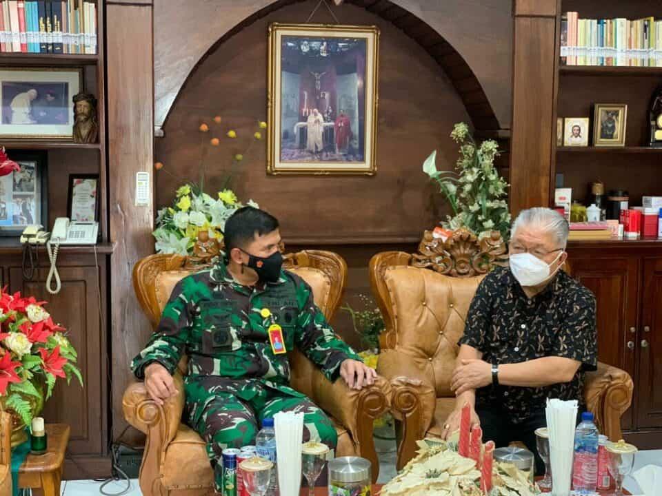 Danlanud Ptm menerima Kunjungan Kehormatan dari Uskup Provinsi Maluku.