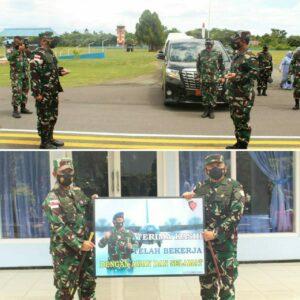 Kunjungan Kerja Pangkoopsau III di Lanud Leo Wattimena