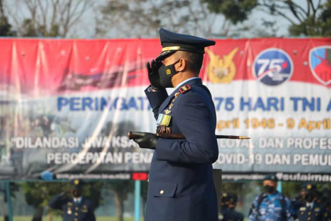 Peringatan ke-75 Hari TNI Angkatan Udara di Lanud Sulaiman