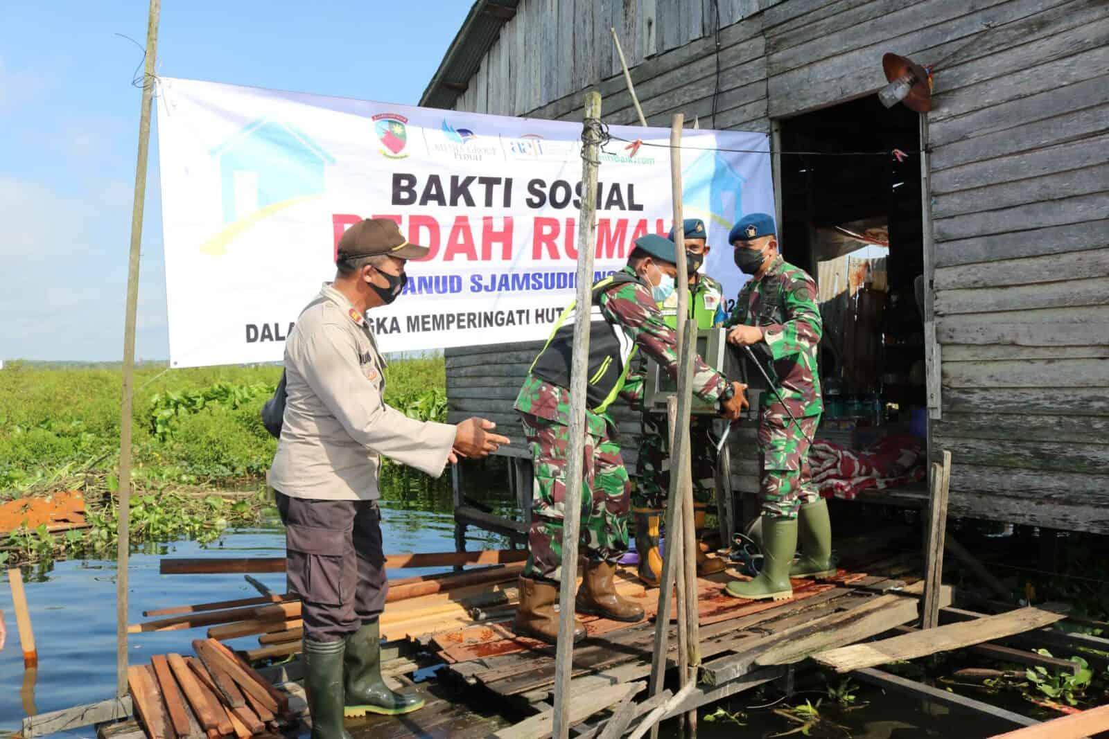 Gerakan Bersama Media Group, Asosiasi Asuransi Jiwa Indonesia, BenihBaik.com Bekerjasama Dengan Lanud Sjamsudin Noor Dalam Rangka Giat Bedah Rumah Rusak Berat Akibat Dampak Banjir di Kalimantan Selatan