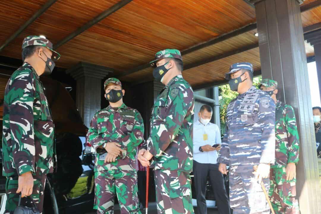 Komandan Lanud Sjamsudin Noor Sambut Kedatangan Aspers Panglima TNI