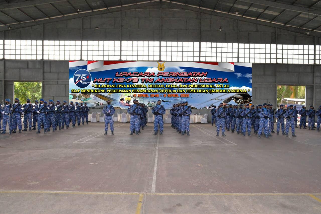 Upacara Peringatan HUT Ke-75 TNI AU di Lanud Soewondo.