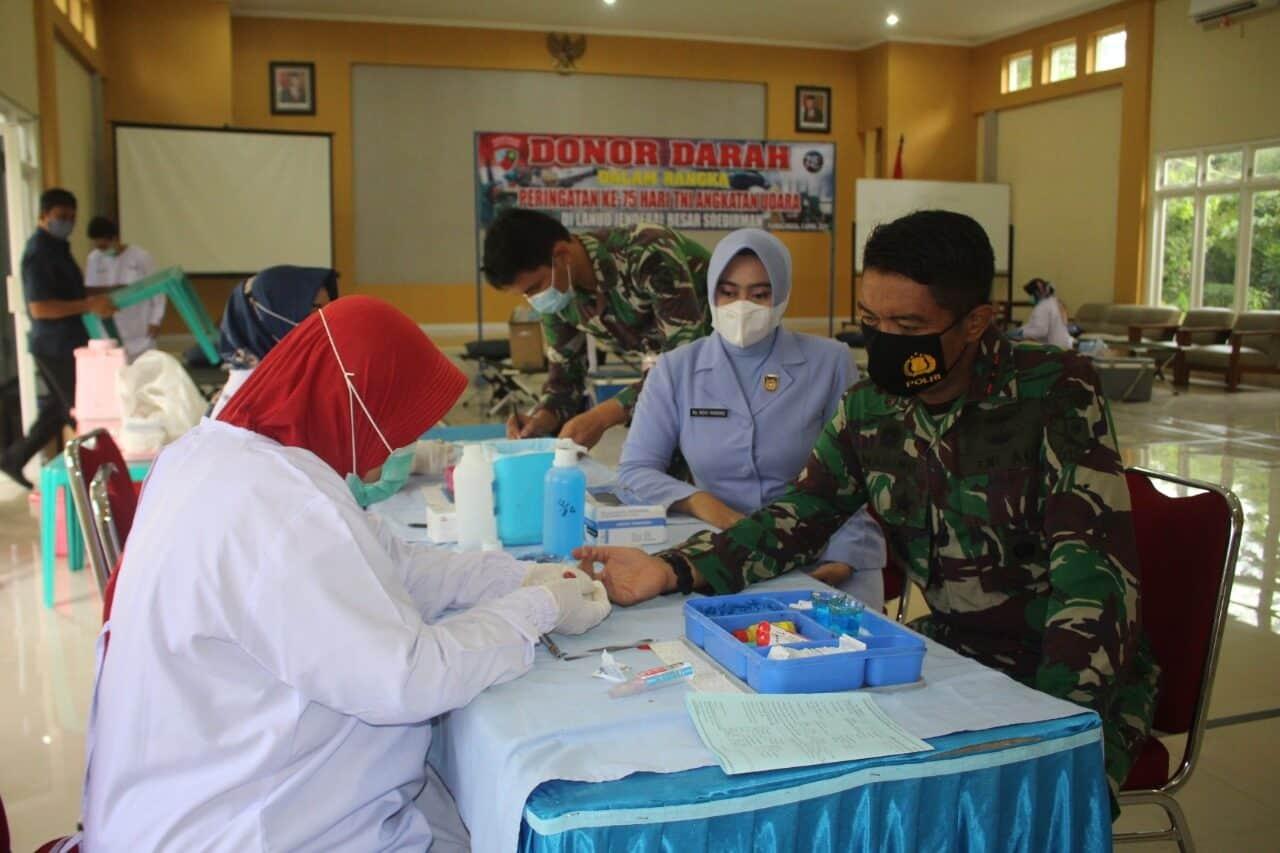 Peringati ke-75 Hari TNI AU, Lanud J.B. Soedirman Sumbang Puluhan Kantung Darah