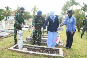 Kenang Jasa Pahlawan Prajurit Lanud Sutan Sjahrir Ziarah Ke TMP