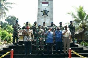 Danlanud Adisutjipto Pimpin Ziarah Dalam rangka HUT Ke-75 TNI Angkatan Udara